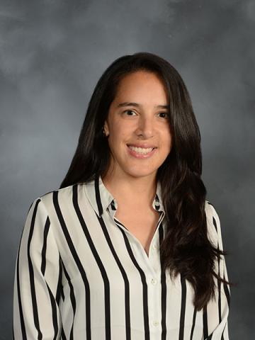 Dr. Camila Delgado